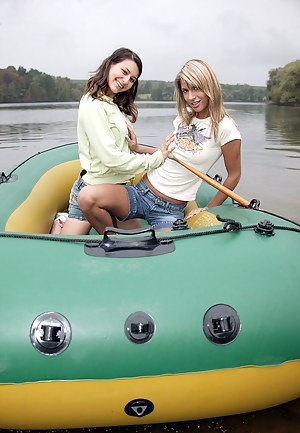 Lesbian Boat Porn Pictures
