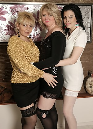 Lesbian Orgy Porn Pictures