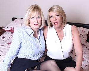 Mature Lesbian Porn Pictures